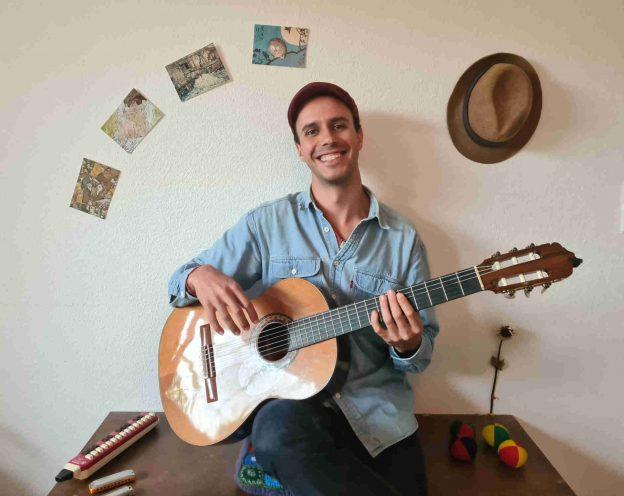 Rafael Plesa - Dozent für Gitarre an den JRS