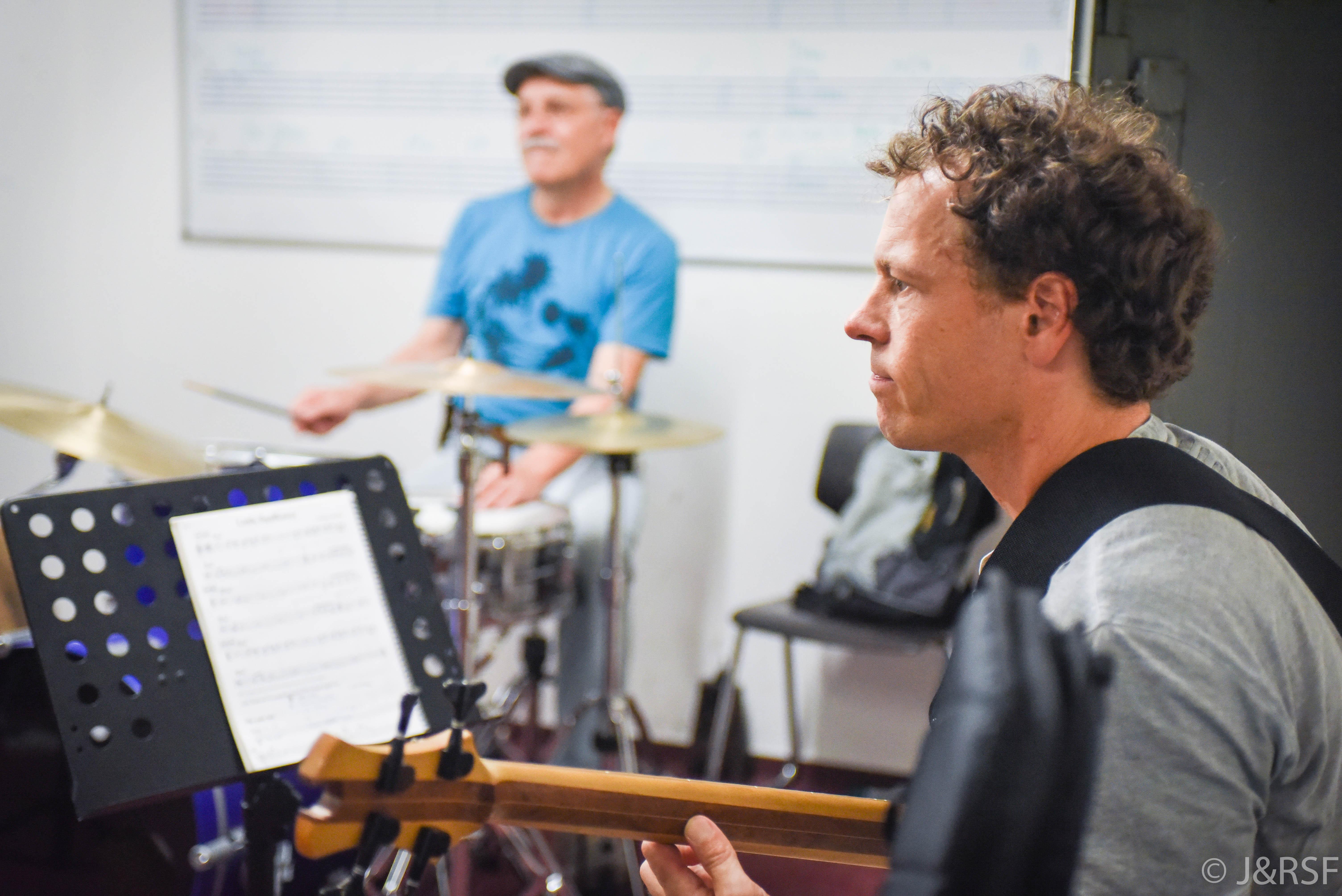 jazz-n-peanuts-web-bass-drums