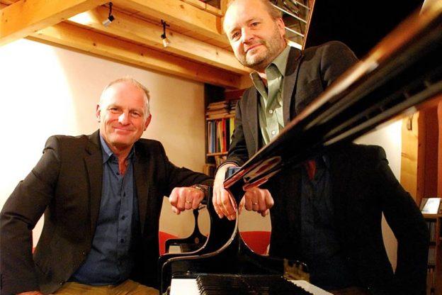 grenzgaenger-an-zwei-klavieren