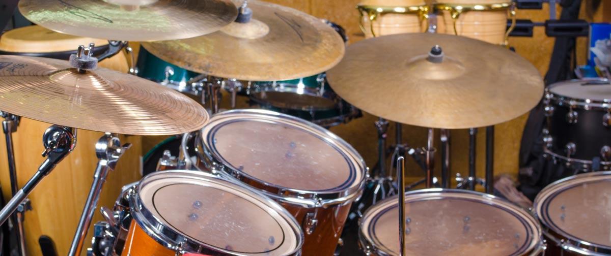 Musikpädagog*in für das Fach: Drum-Set, Percussion